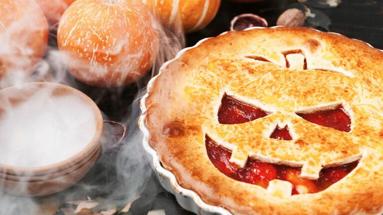 Pumpkin Face Apple Pie